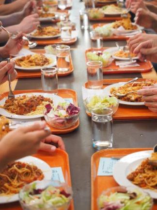 spaghetti-1260818_1920-324x432 Spreco di cibo, un nemico da combattere trasformato in pasti per i più bisognosi Lombardia