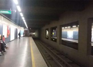 Metropolitana via Bisceglie. Linea rossa