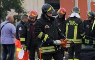 vigili-del-fuoco-324x205 Milano, un minorenne appicca fuoco all'appartamento Cronaca Milano Prima Pagina