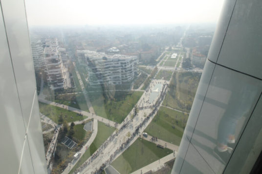 IMG_0646-536x357 Giornata del FAI a Milano. Code lunghissime alla torre Hadid Costume e Società Curiosità