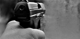 pistola-324x160 Rapina alle Poste e due dipendenti si sentono male Lombardia Prima Pagina