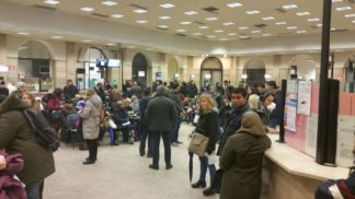 IMG-20180302-WA0014-324x182 400 persone in fila per il certificato elettorale Cronaca Milano Prima Pagina