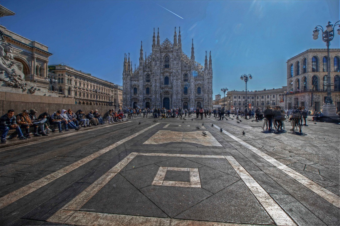 Milano-Piazza-Duomo Sotto il Duomo di Milano Costume e Società Milano Misteriosa