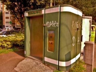 Il problema dei bagni pubblici a milano