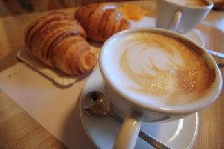 capuccino-e-brioches-starbuks-7-324x216 Starbucks, Costa coffee, o cappuccio e brioches? Costume e Società Milano