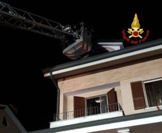 IMG-20181128-WA0015-324x266 Mansarda a fuoco a Buccinasco Cronaca Milano Prima Pagina